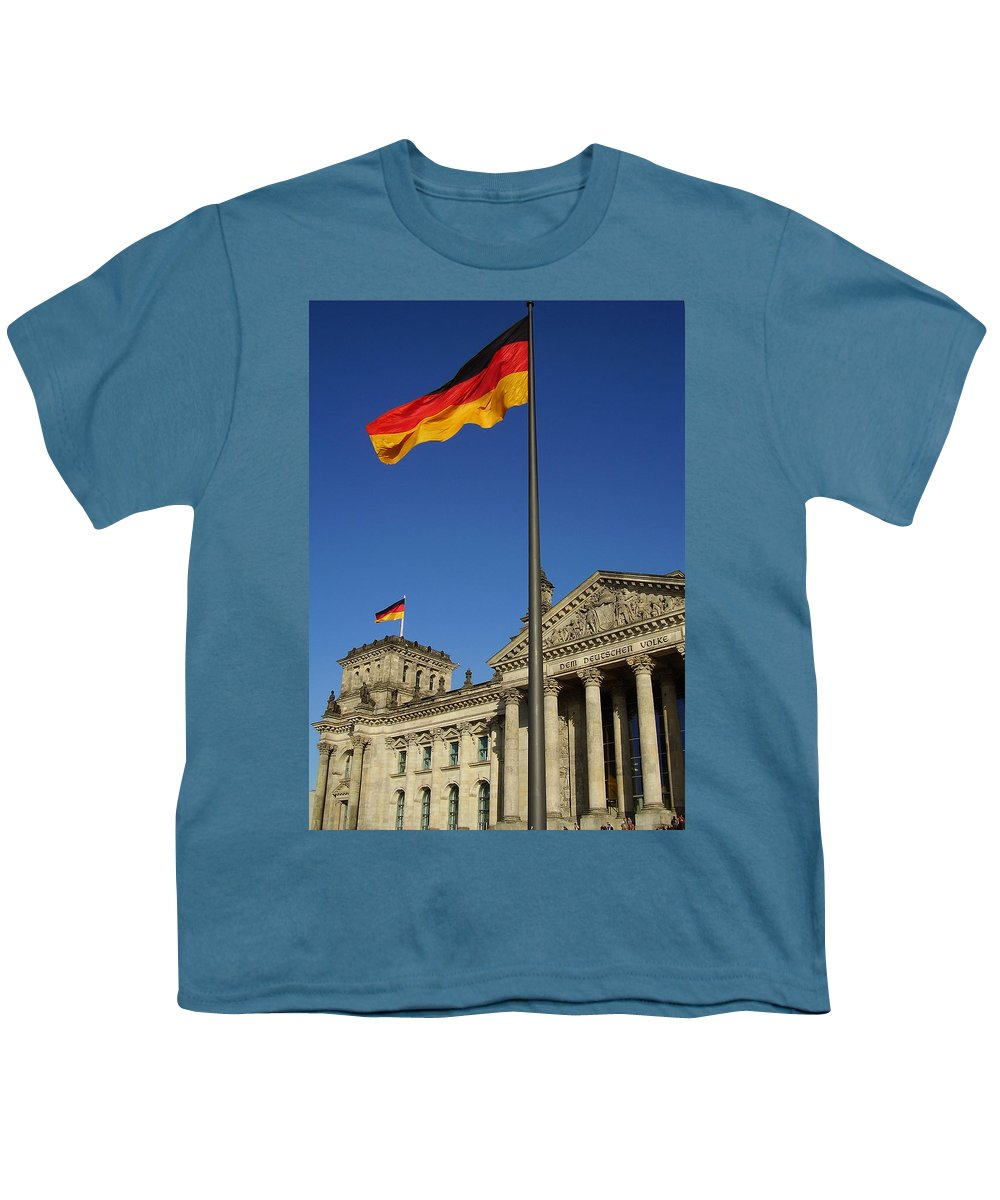 Deutscher Bundestag Youth T-Shirt featuring the photograph Deutscher Bundestag by Flavia Westerwelle