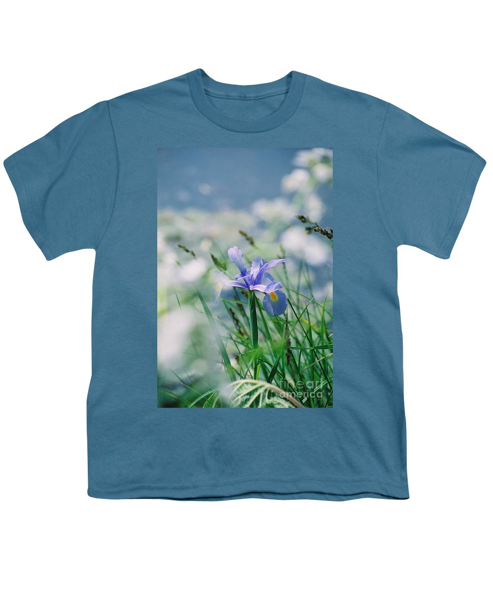 Periwinkle Youth T-Shirt featuring the photograph Periwinkle Iris by Nadine Rippelmeyer