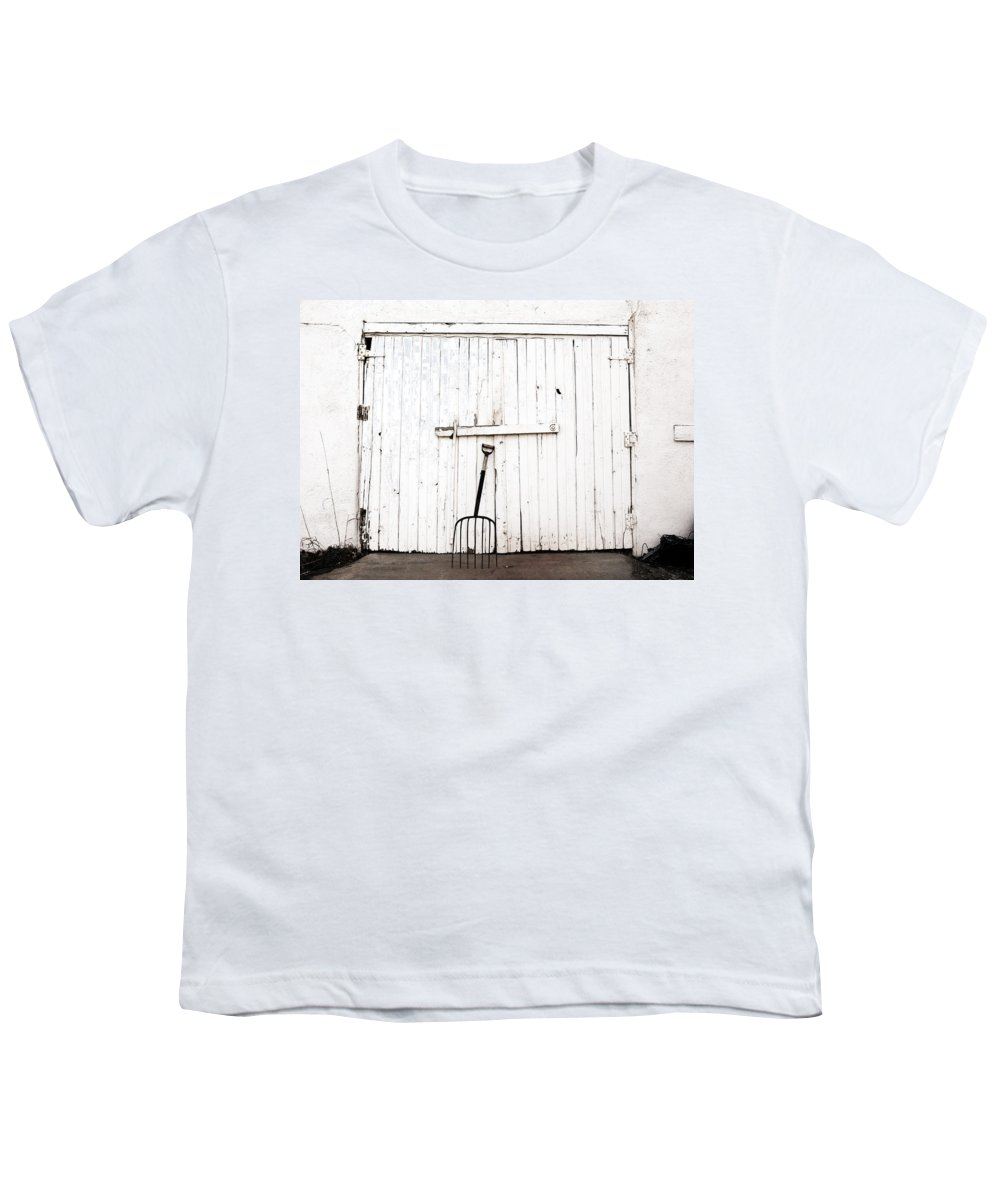 Americana Youth T-Shirt featuring the photograph Pitch Fork by Marilyn Hunt
