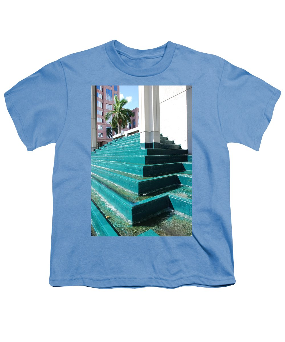 Architecture Youth T-Shirt featuring the photograph Water At The Federl Courthouse by Rob Hans