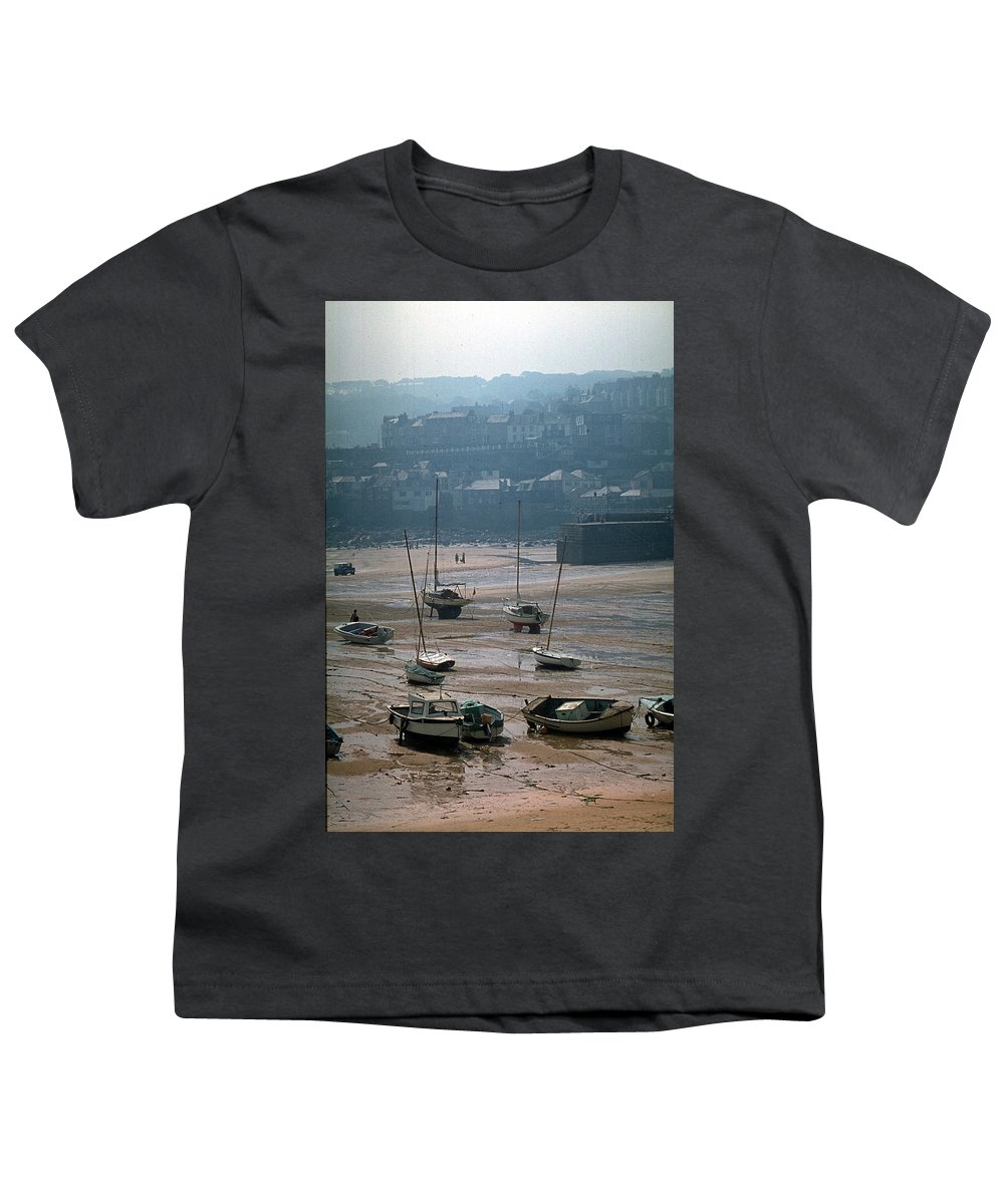 Great Britain Youth T-Shirt featuring the photograph Harbor IIi by Flavia Westerwelle