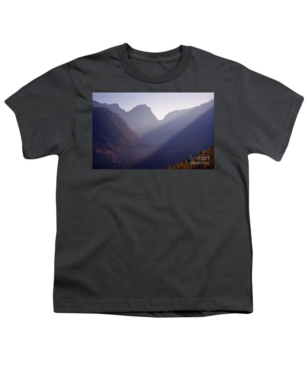 Mountains Youth T-Shirt featuring the photograph Logan Pass by Richard Rizzo