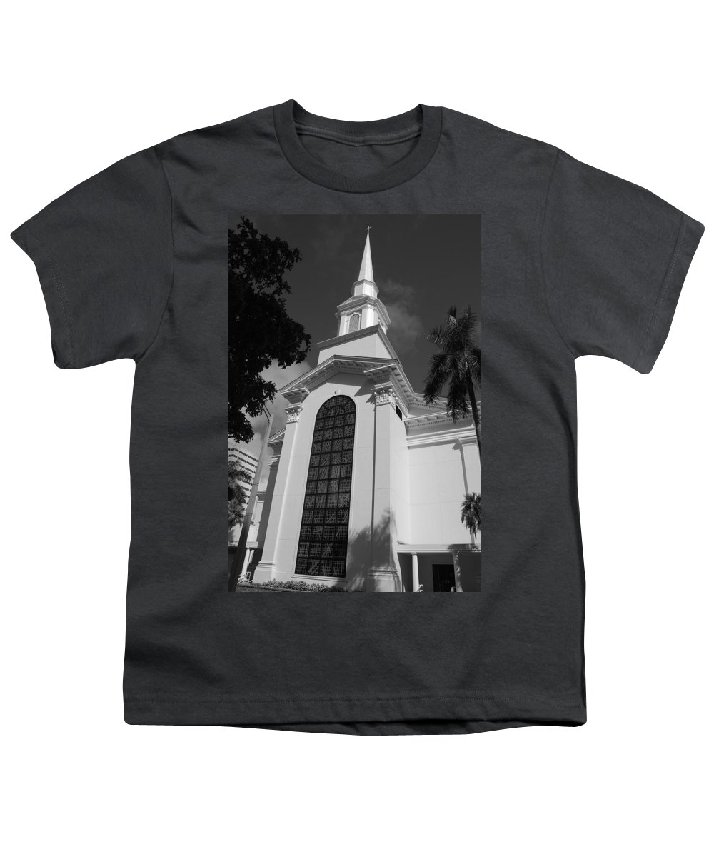 Architecture Youth T-Shirt featuring the photograph Thats Church by Rob Hans