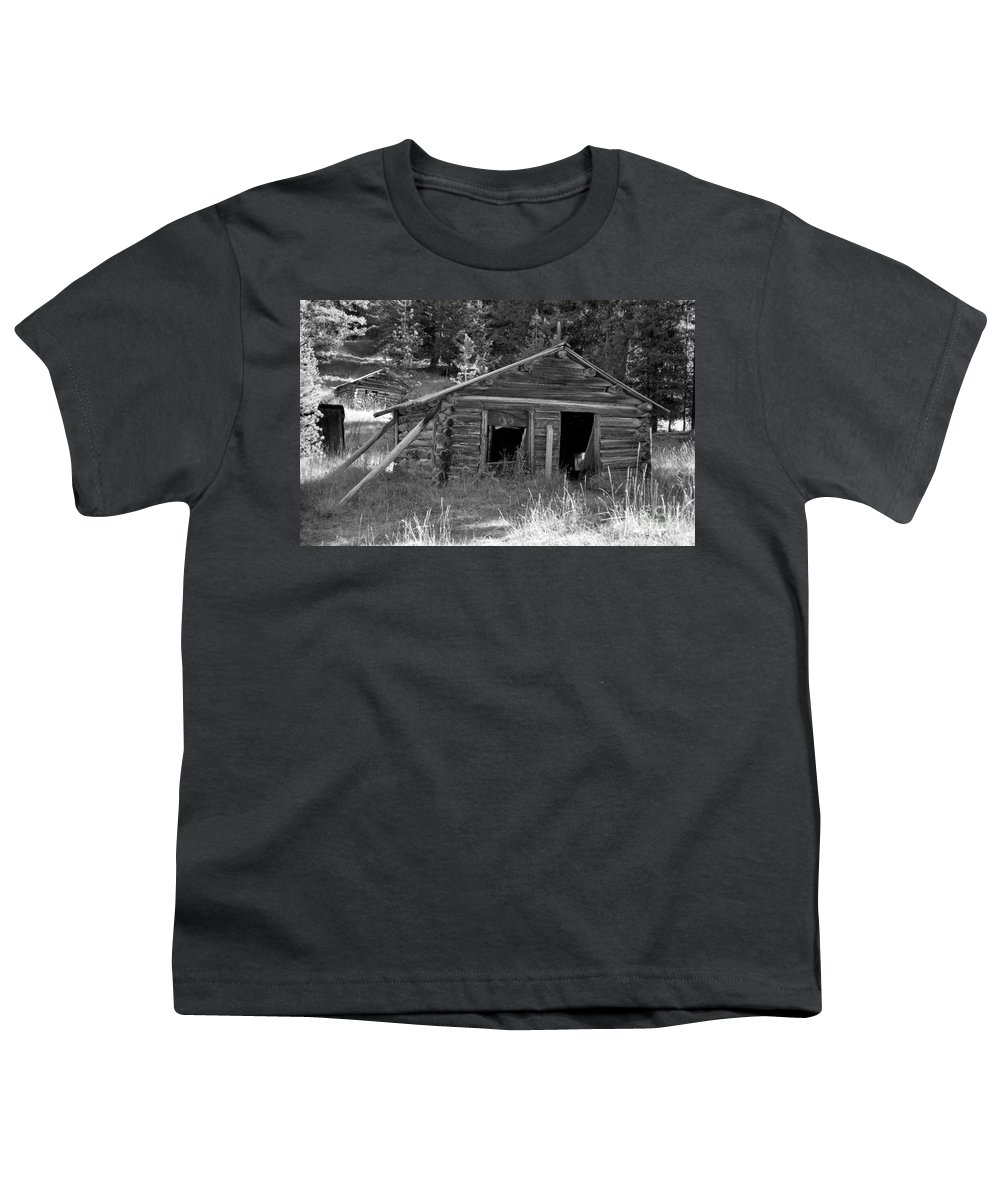 Abandoned Youth T-Shirt featuring the photograph Two Cabins One Outhouse by Richard Rizzo