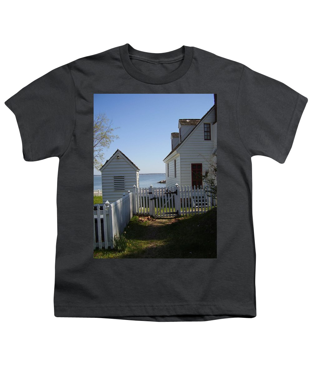 Yorktown Youth T-Shirt featuring the photograph Yorktown by Flavia Westerwelle