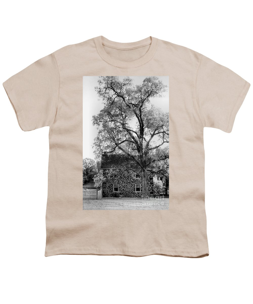 Homes Youth T-Shirt featuring the photograph Old Stone House by Richard Rizzo