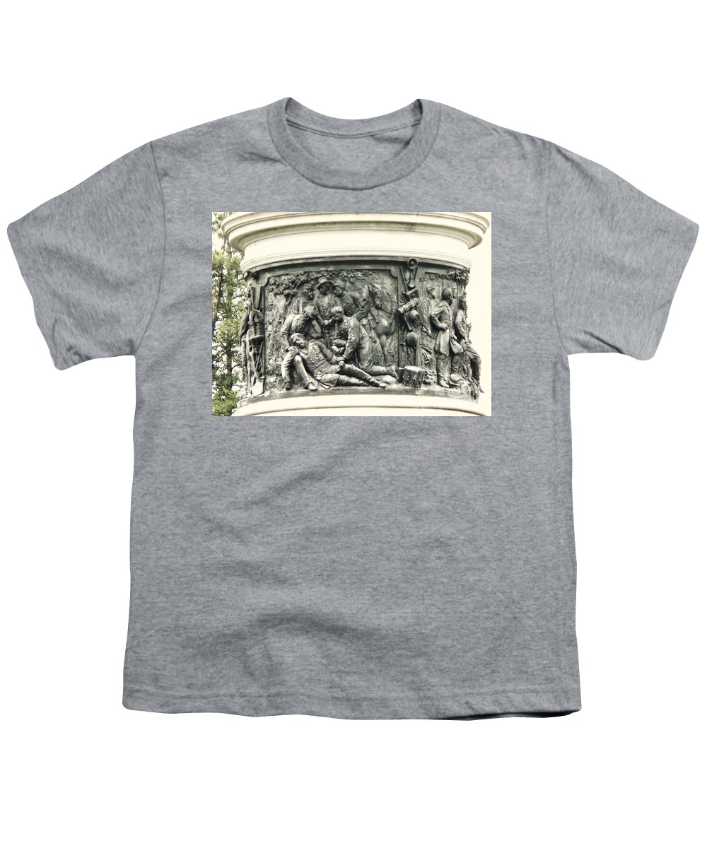 Gettysburg Youth T-Shirt featuring the photograph Gettysburg Monument by Eric Schiabor