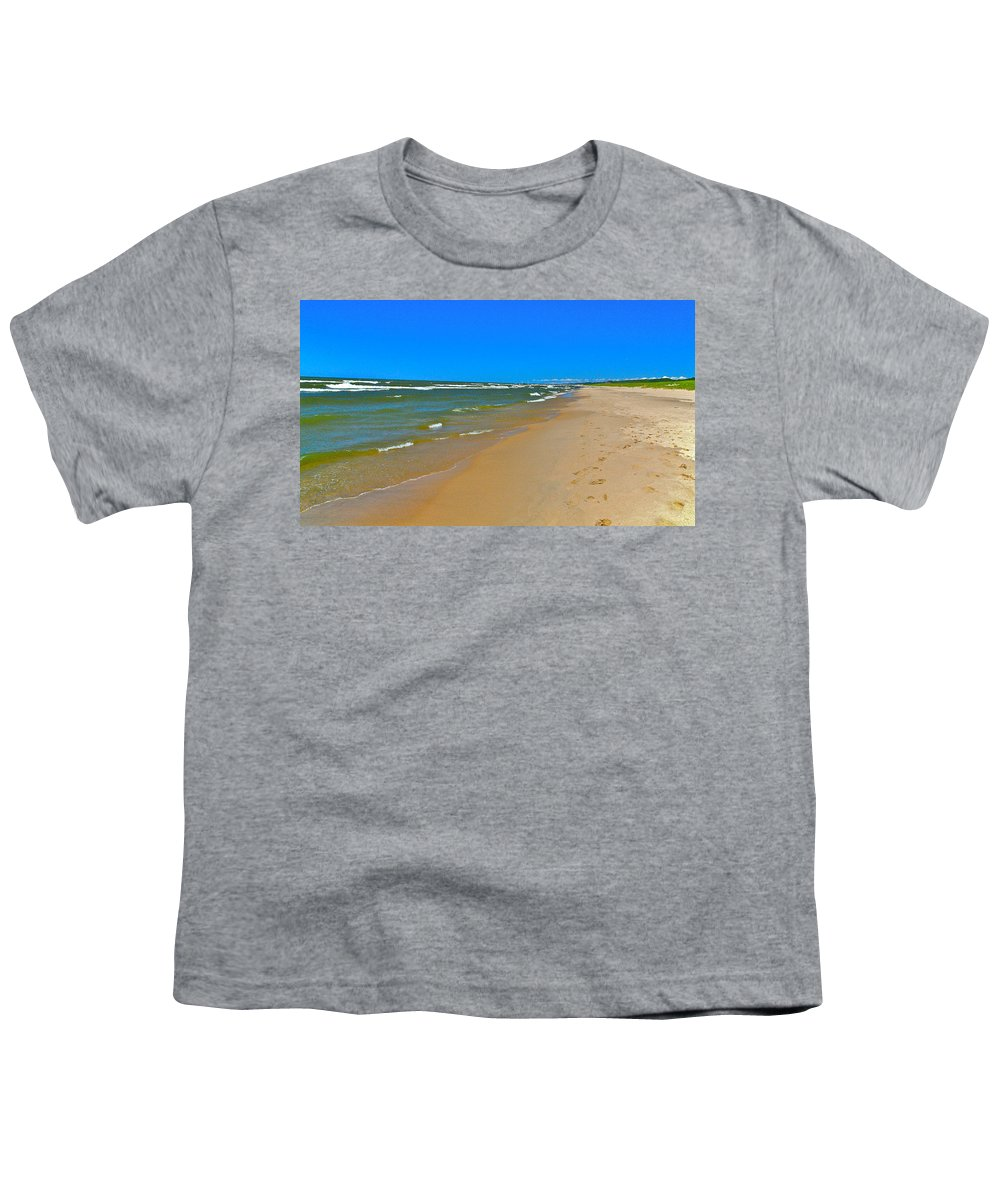 Sand Youth T-Shirt featuring the photograph Oval Park In The Sun by Robert Pearson
