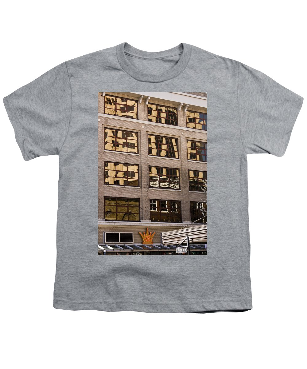Roanoke Youth T-Shirt featuring the photograph Roanoke Reflection by Teresa Mucha