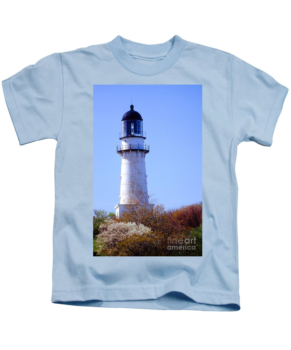 Lighthouses Kids T-Shirt featuring the photograph Cape Elizabeth Lighthouse by Skip Willits