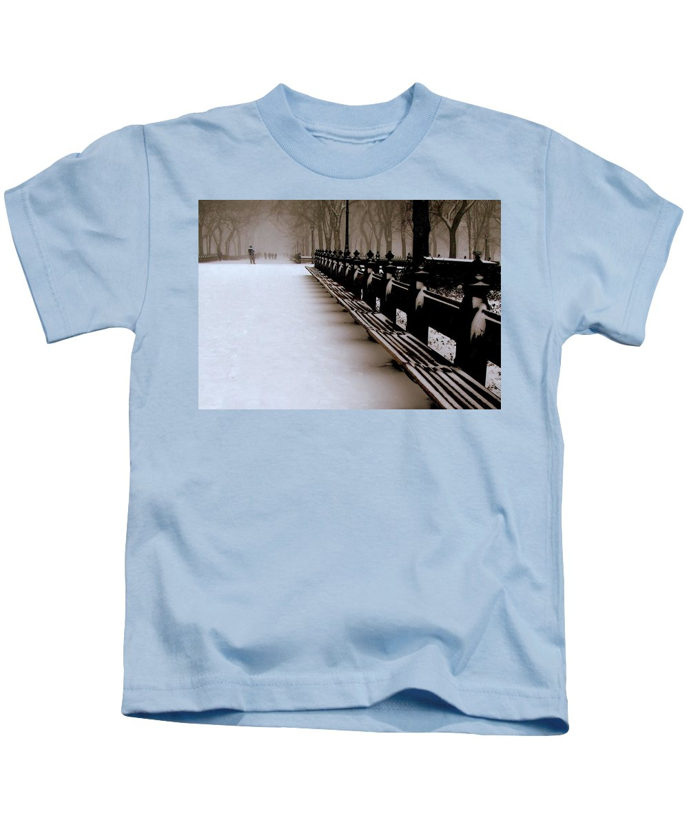 New York Kids T-Shirt featuring the photograph Central Park Mall by Jeff Watts