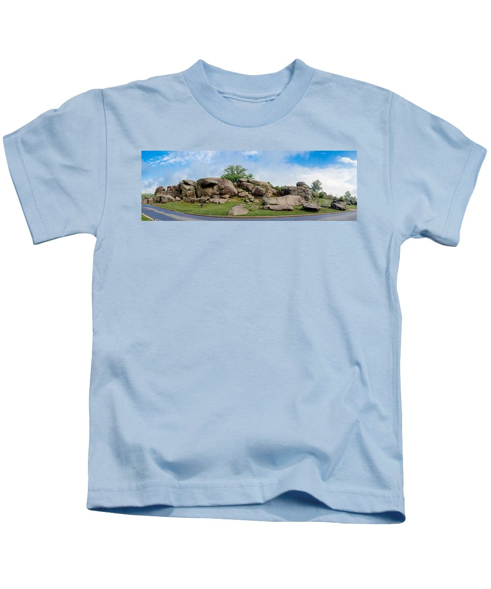 American Civil War Kids T-Shirt featuring the photograph Devil's Den Pan by Guy Whiteley