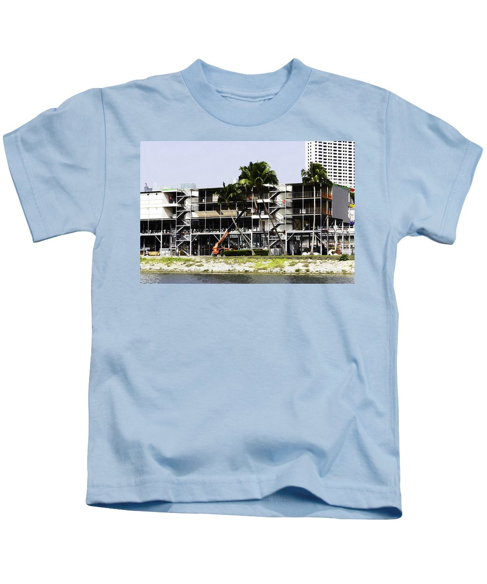Asia Kids T-Shirt featuring the digital art Oil Painting - Using A Crane To Help In The Preparation For The Formula One Race by Ashish Agarwal
