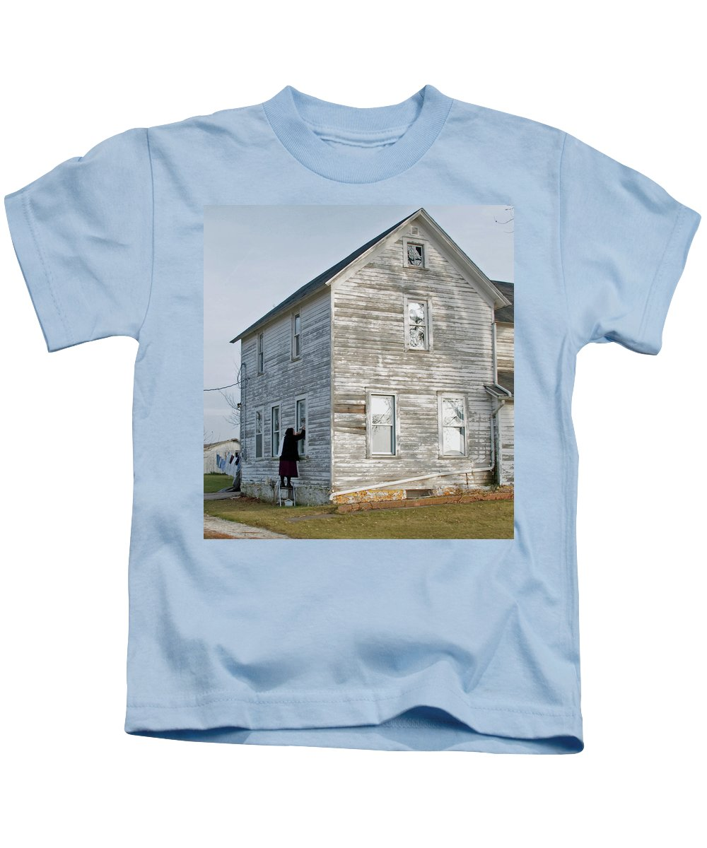 Amish Kids T-Shirt featuring the photograph Amish Window Washer by David Arment