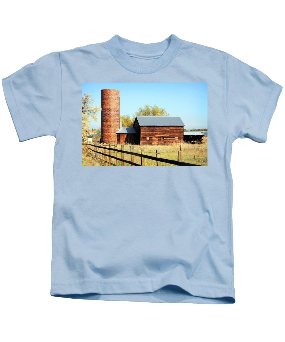 Americana Kids T-Shirt featuring the photograph Beautiful Brick Silo by Marilyn Hunt