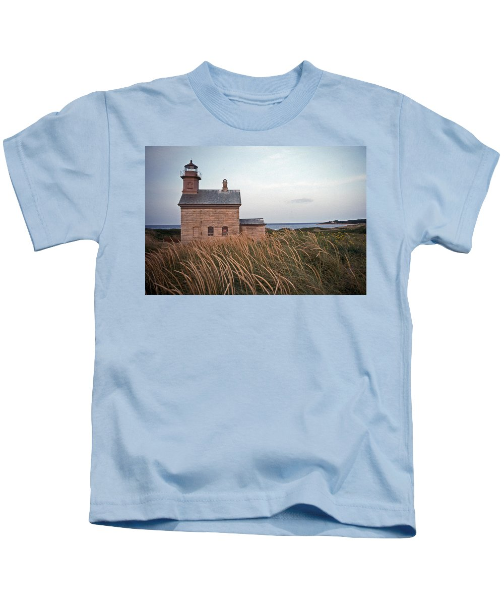 Lighthouse Kids T-Shirt featuring the photograph Block Island North West Lighthouse by Skip Willits