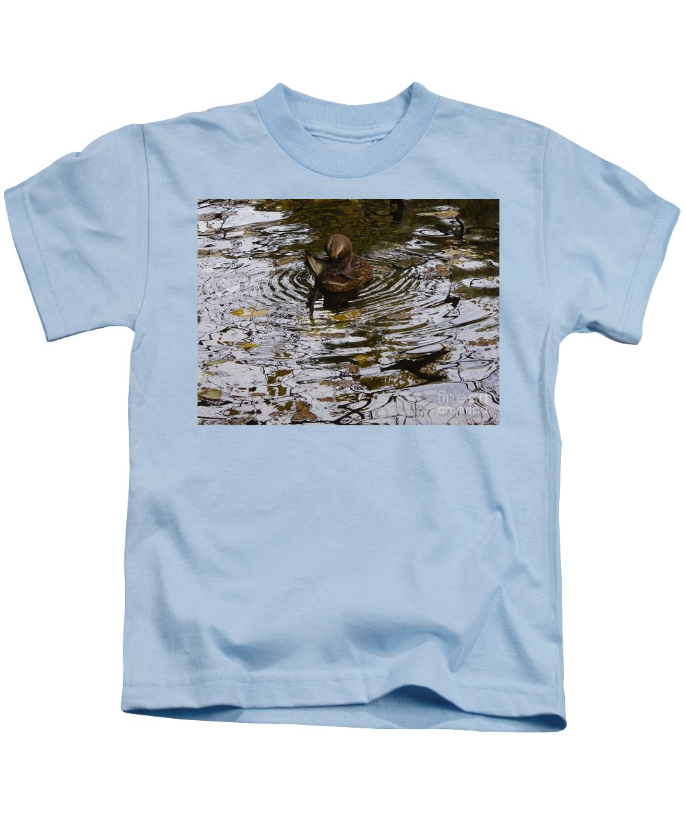 Kids T-Shirt featuring the photograph Centered by Nili Tochner