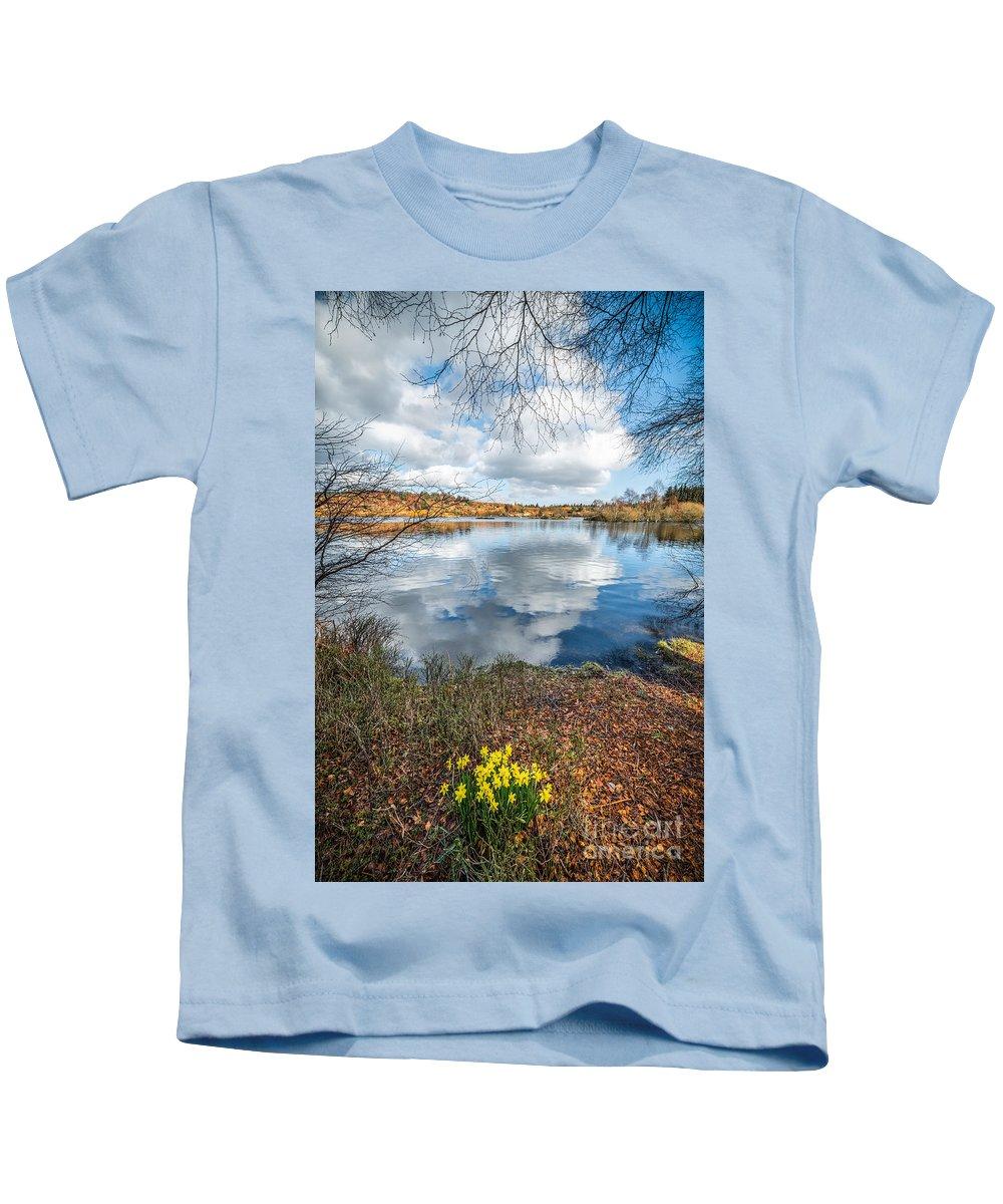 Coed Photographs Kids T-Shirts