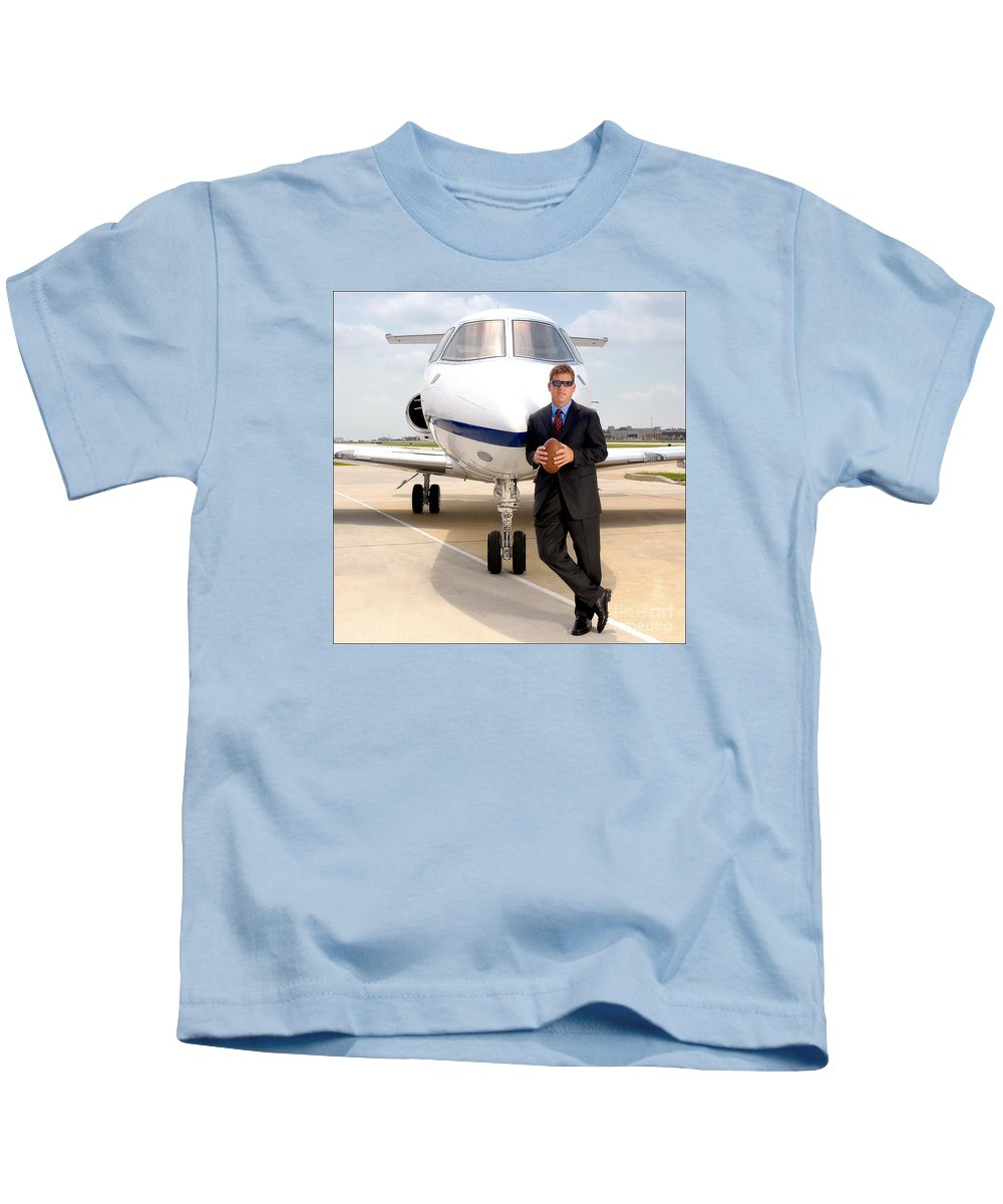 Dallas Kids T-Shirt featuring the photograph Dallas Cowboys Superbowl Quarterback Troy Aikman by David Perry Lawrence