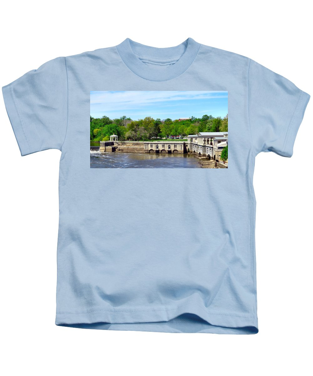 Span Kids T-Shirt featuring the photograph Dam House by Art Dingo