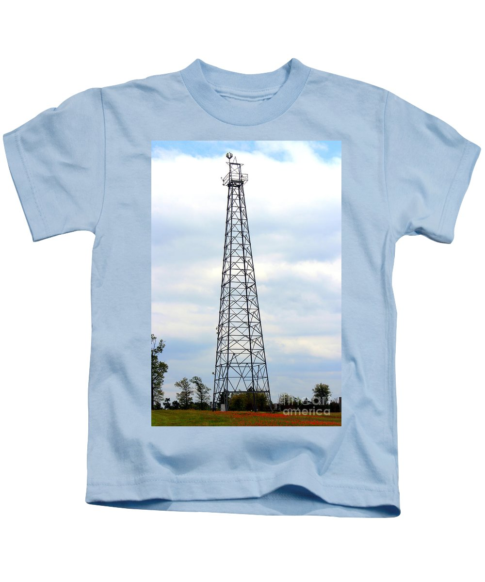 World's Richest Acre Kids T-Shirt featuring the photograph Derrick At Synergy Park by Kathy White