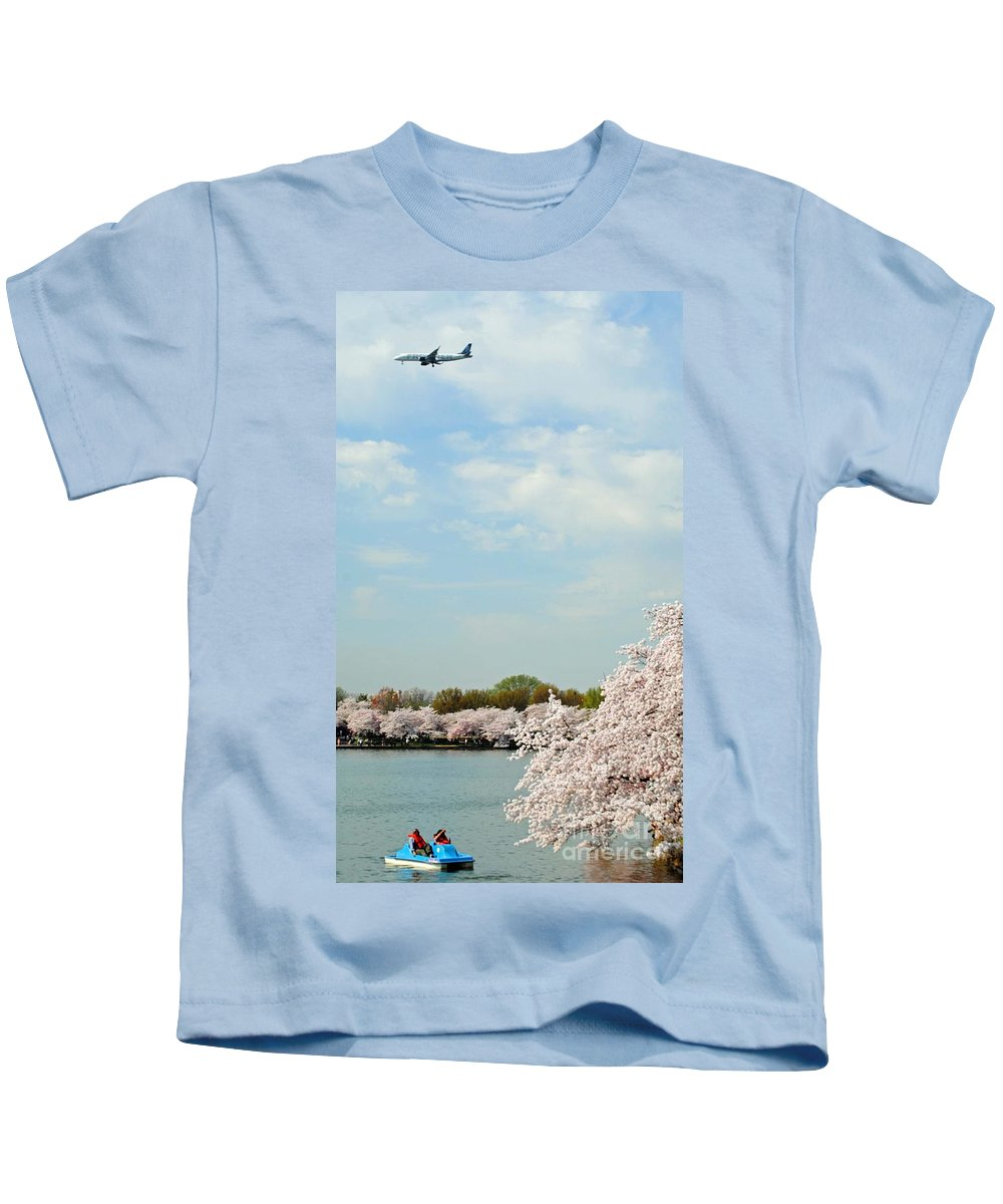 Frontier Kids T-Shirt featuring the photograph Frontier Airlines by Jost Houk