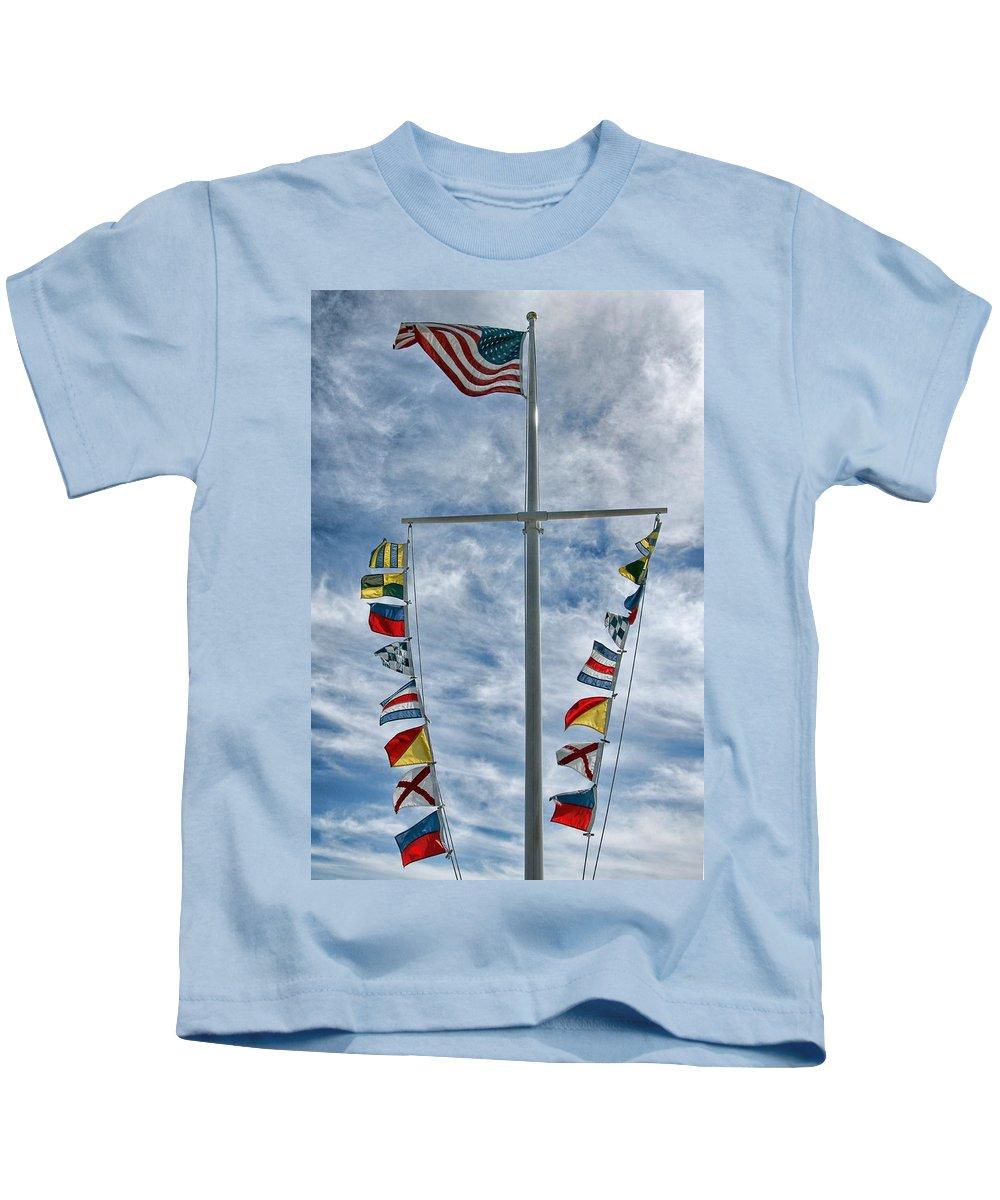 Mast Kids T-Shirt featuring the photograph Glen Cove American Flag by Bob Slitzan