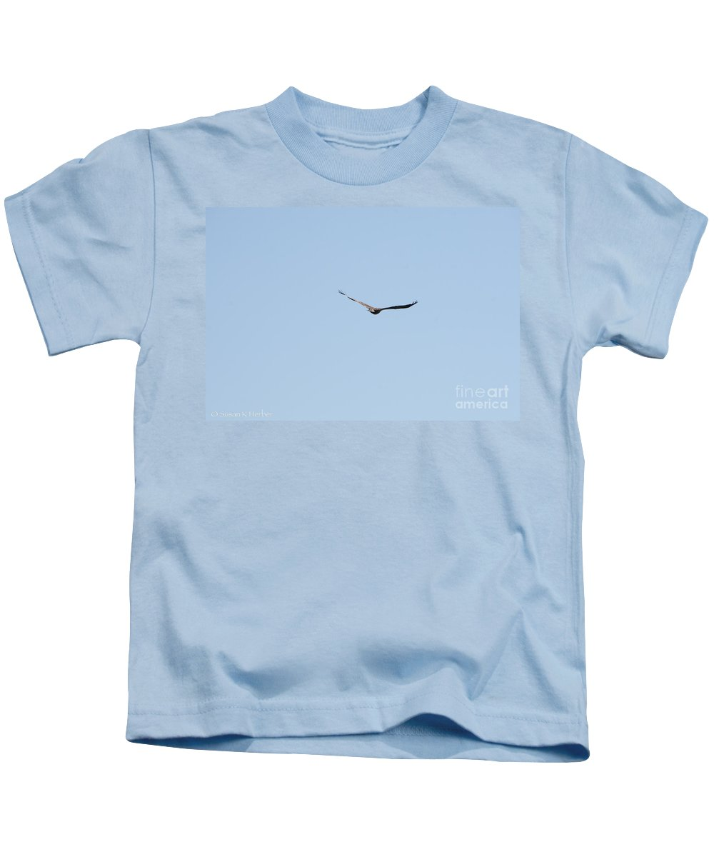 Outdoors Kids T-Shirt featuring the photograph Glide by Susan Herber