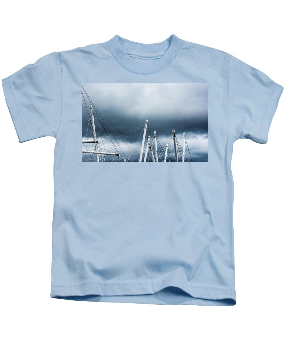 Kurilpa Bridge Kids T-Shirt featuring the photograph Into The Clouds by Parker Cunningham