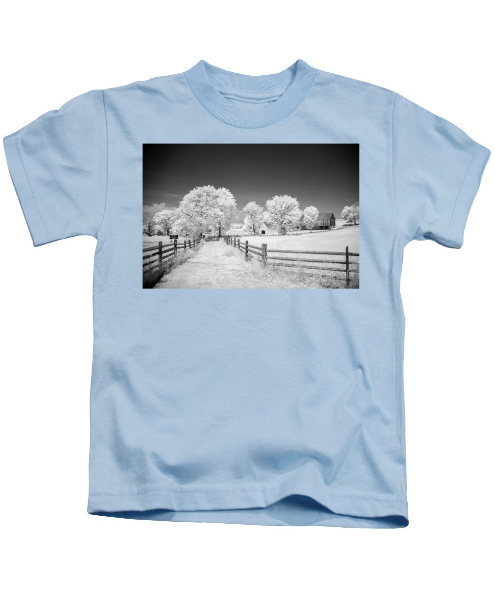 American Civil War Kids T-Shirt featuring the photograph Joseph Poffenberger Farm 8d00231 by Guy Whiteley
