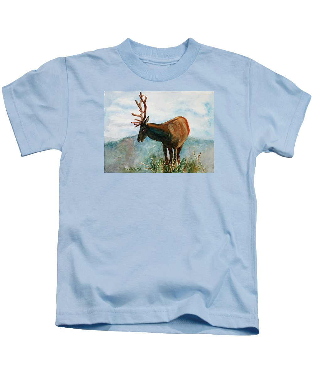 Elk Kids T-Shirt featuring the painting King Of The Hill by Mary Benke