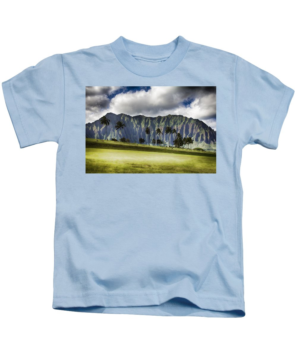 Hawaii Kids T-Shirt featuring the photograph Lest We Forget V6 by Douglas Barnard