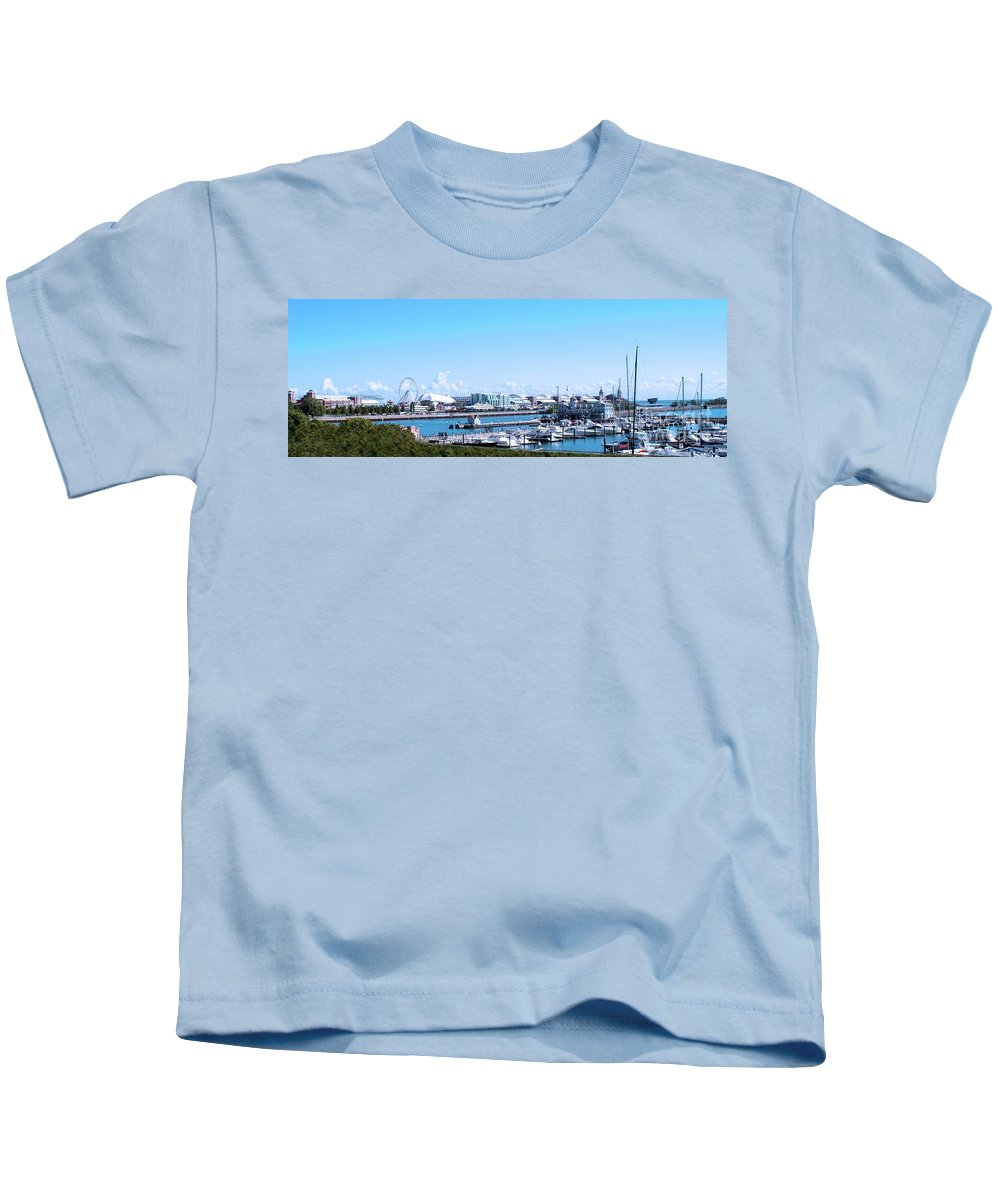 Cities Kids T-Shirt featuring the photograph Navy Pier Chicago Il Looking Northeast by Thomas Woolworth