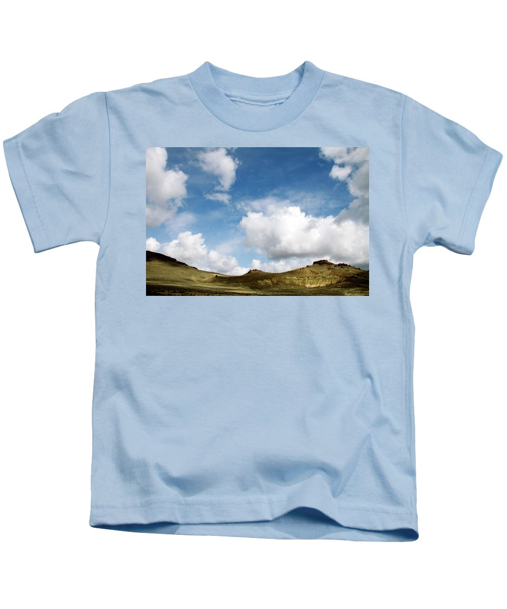 Oregon Kids T-Shirt featuring the photograph Oregon Trail Country by Ed Riche