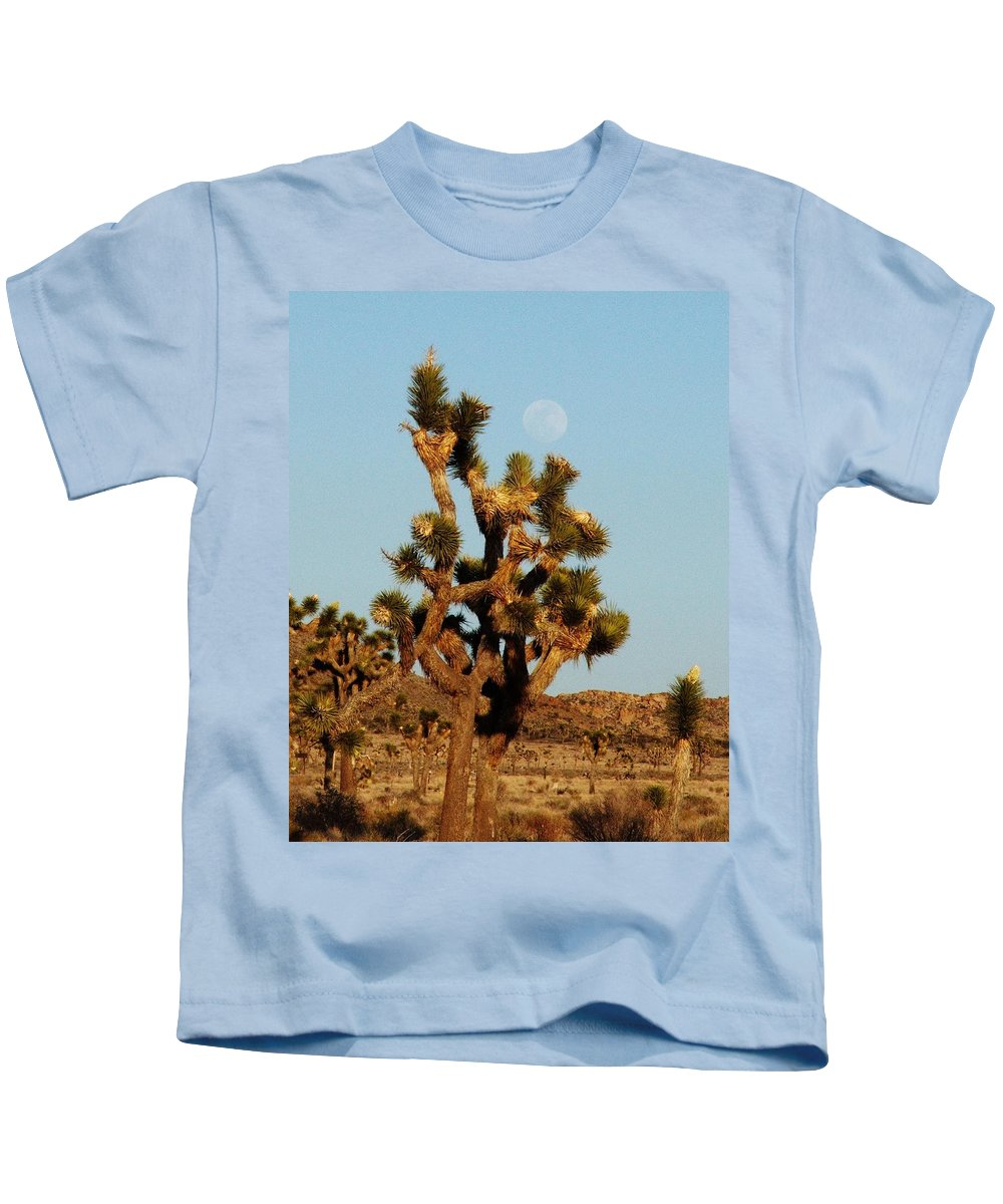 Joshua Tree Kids T-Shirt featuring the photograph Pale Moon Rising by Patricia Quandel