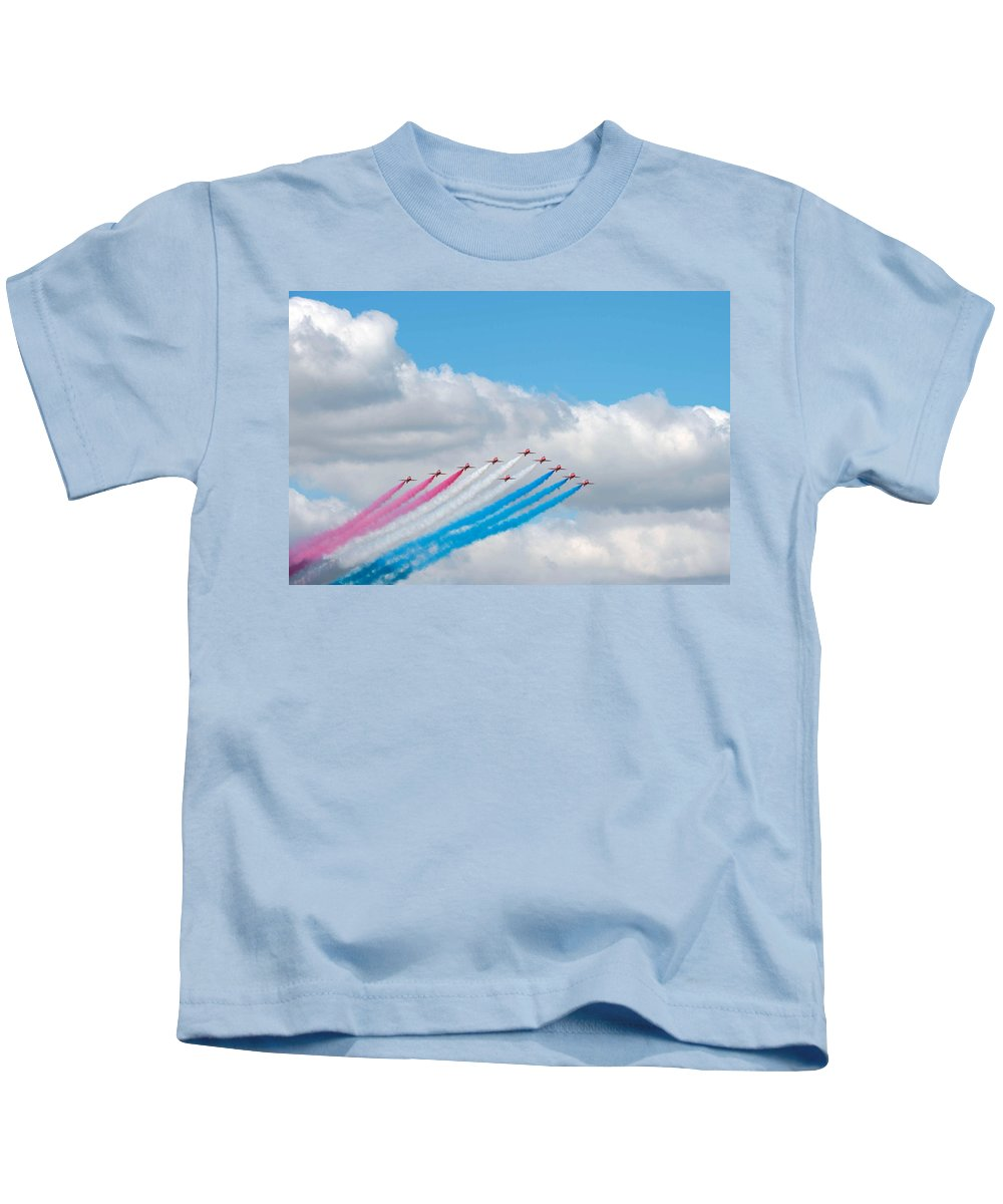 Transportation Kids T-Shirt featuring the photograph Planes Fly In Airshow by Science Source