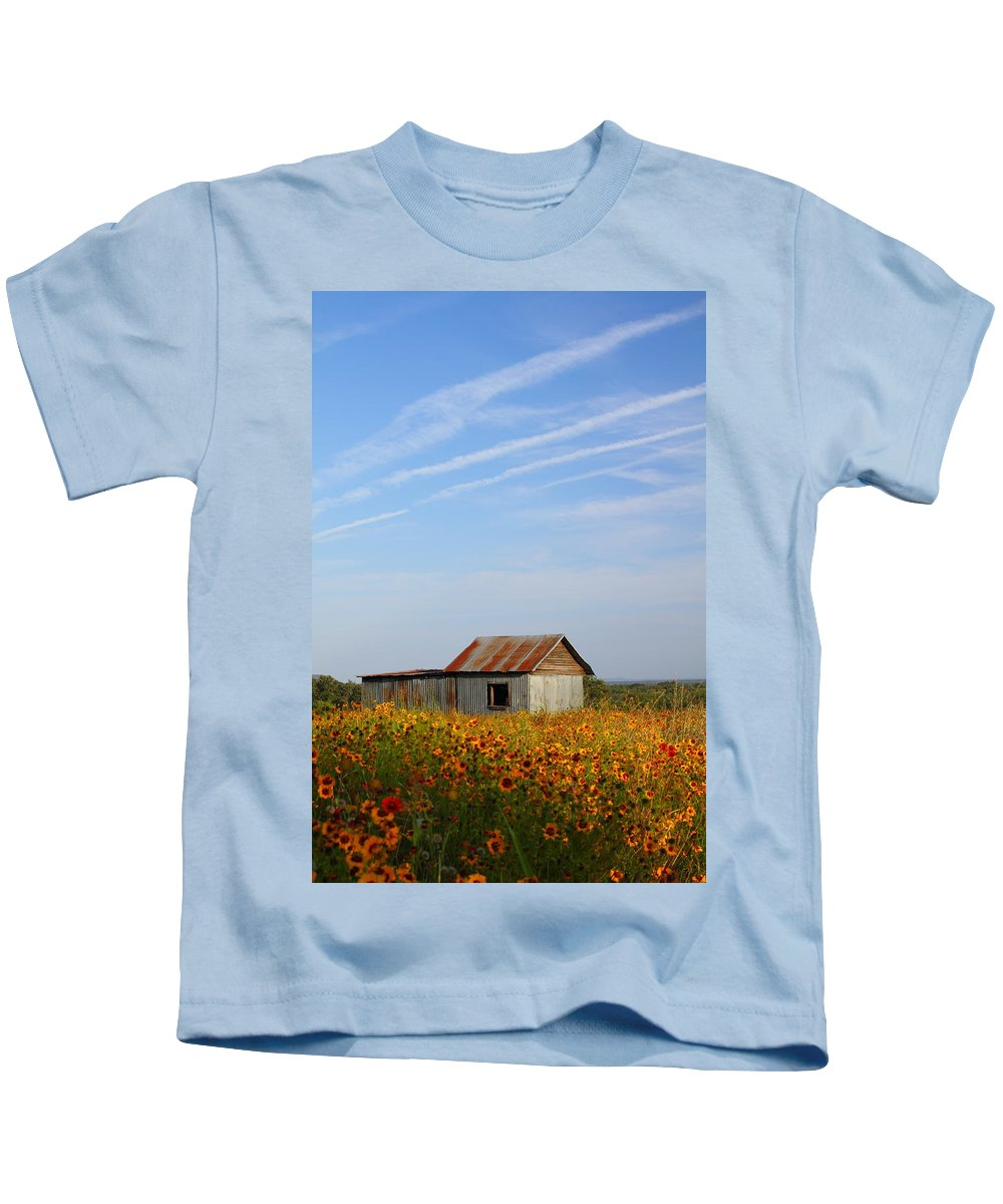 Pontotoc Kids T-Shirt featuring the photograph Pontotoc Shed 2am-110573 by Andrew McInnes
