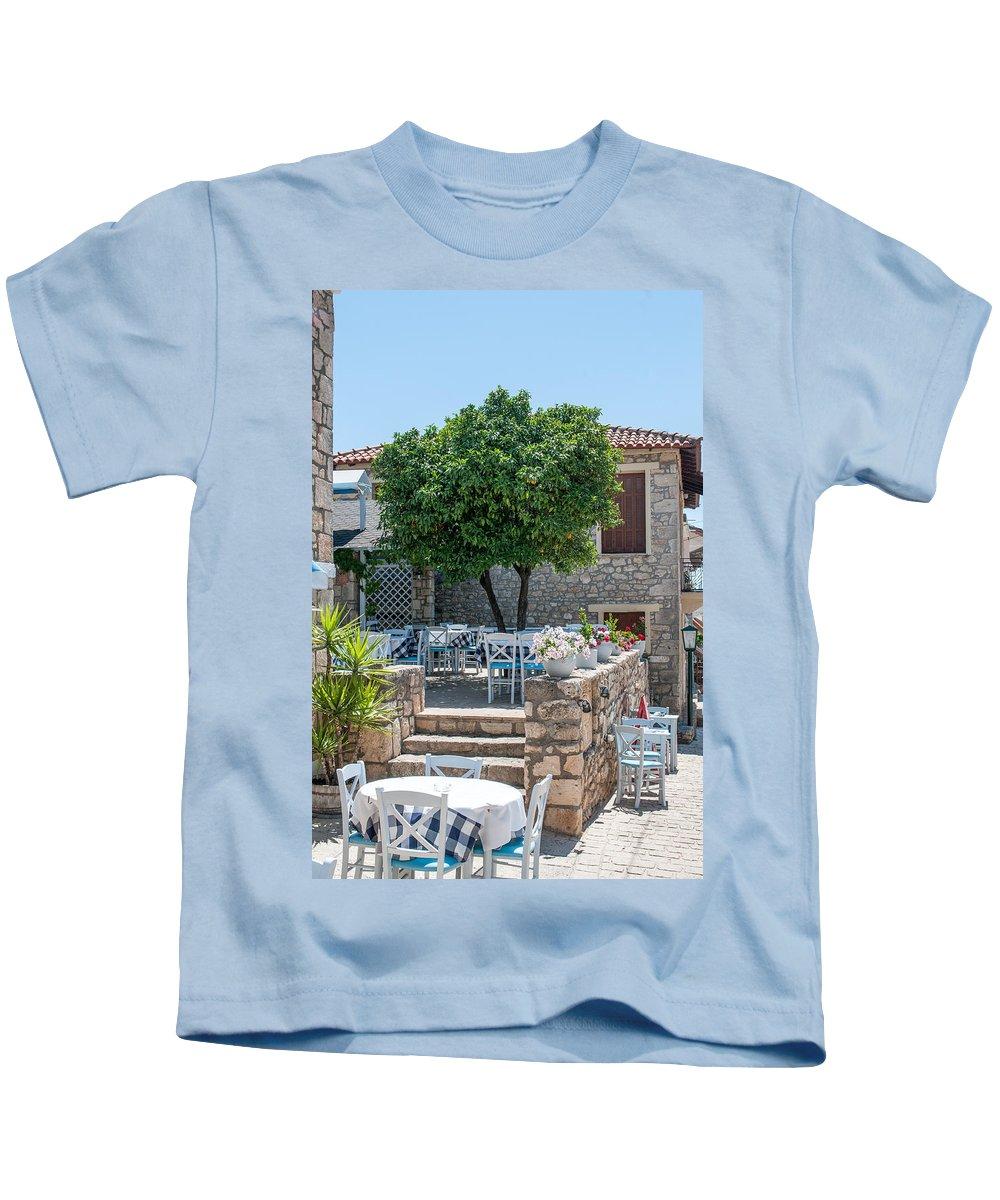 Art Kids T-Shirt featuring the photograph Restaurant by Roy Pedersen