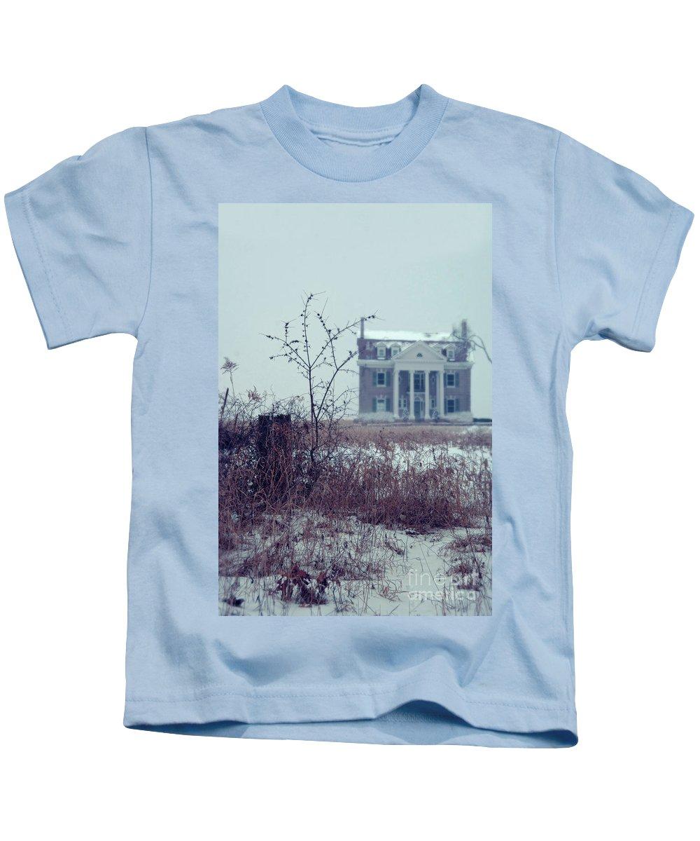 House Kids T-Shirt featuring the photograph Rural Mansion by Jill Battaglia
