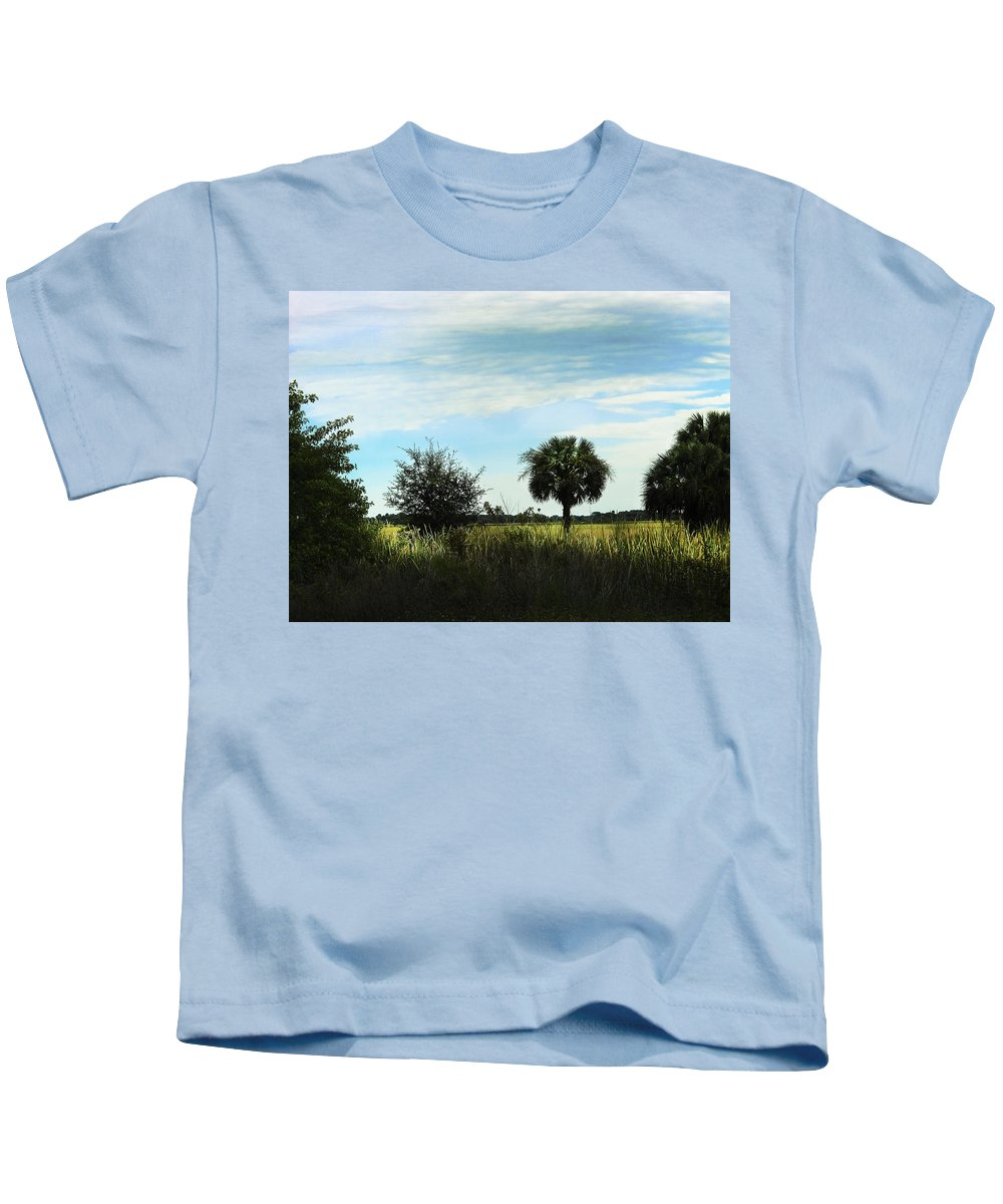 Field Kids T-Shirt featuring the photograph Southern Serenity by Judy Hall-Folde