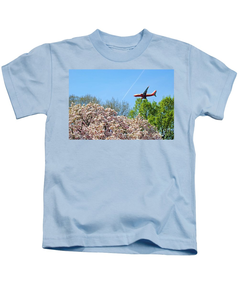Southwest Kids T-Shirt featuring the photograph Southwest Airlines by Jost Houk