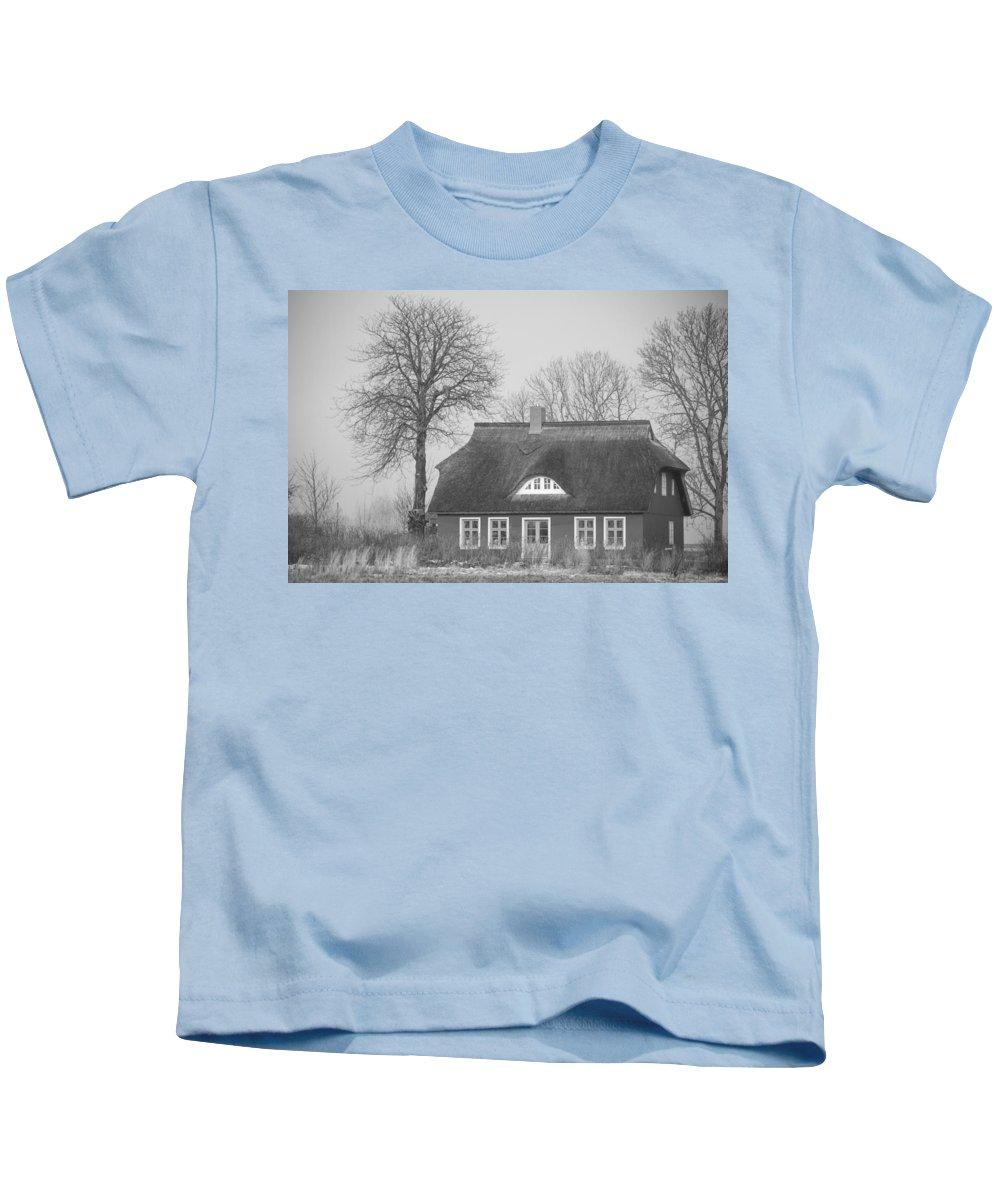 Island Of Ruegen Kids T-Shirt featuring the photograph Thatched Roof by Ralf Kaiser
