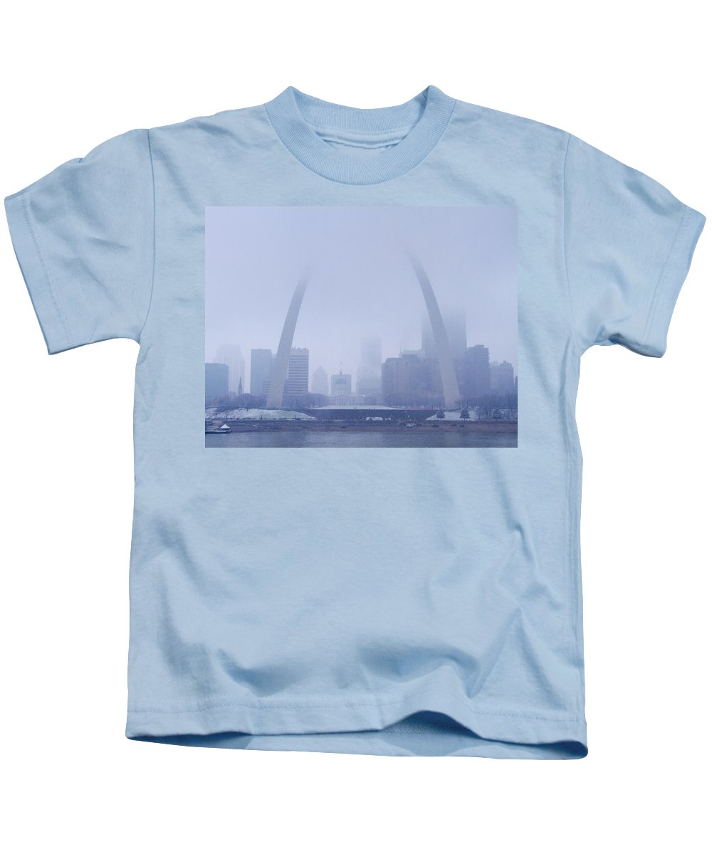 St Louis Kids T-Shirt featuring the photograph The Arch In Snow And Fog by Garry McMichael