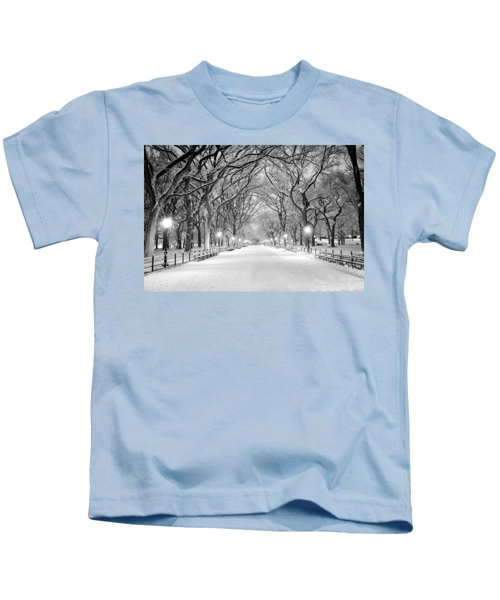 B&w Kids T-Shirt featuring the photograph The Mall by Mihai Andritoiu