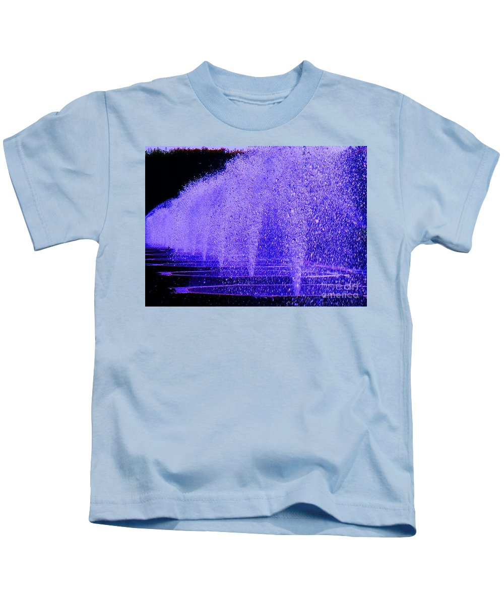 Fountain Kids T-Shirt featuring the photograph Water Fountain by Eric Schiabor