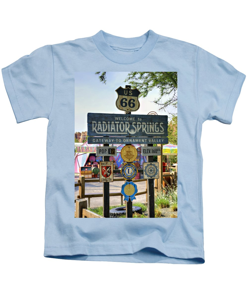 Sign Kids T-Shirt featuring the photograph Welcome To Radiator Springs by Ricky Barnard
