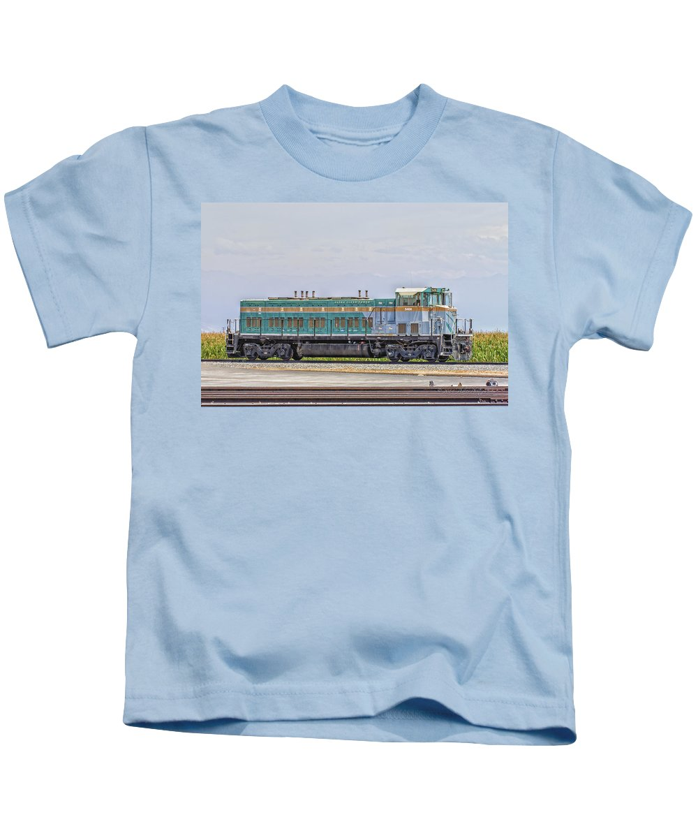 California Kids T-Shirt featuring the photograph Foster Farms Locomotive by Jim Thompson