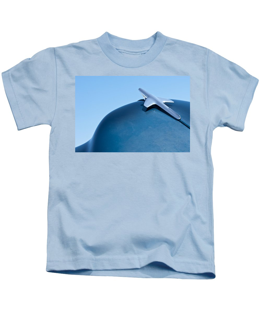 1951 Chevrolet Deluxe Kids T-Shirt featuring the photograph 1951 Chevrolet Deluxe Hood Ornament 2 by Jill Reger