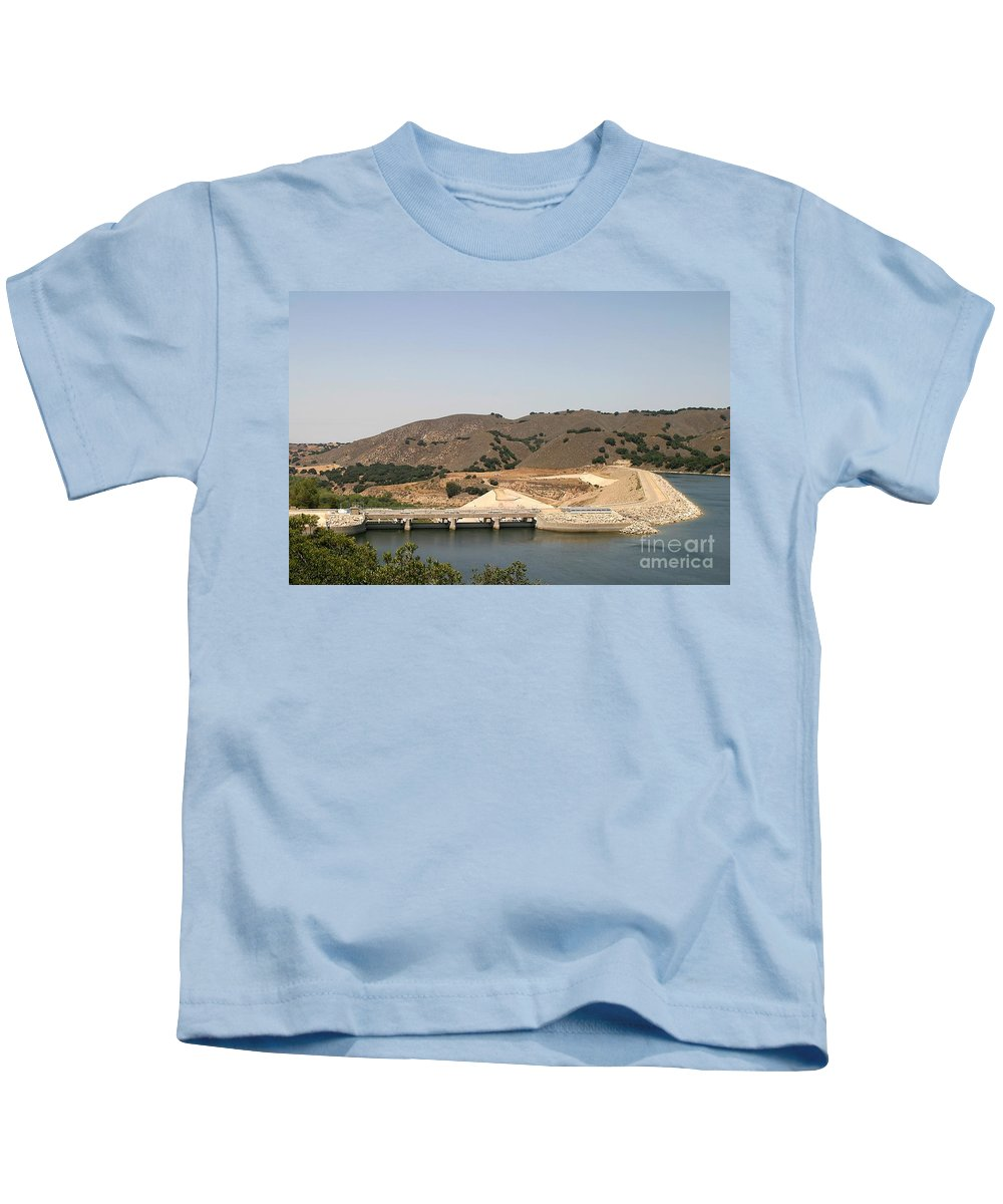 Architecture Kids T-Shirt featuring the photograph Bradbury Dam by Henrik Lehnerer