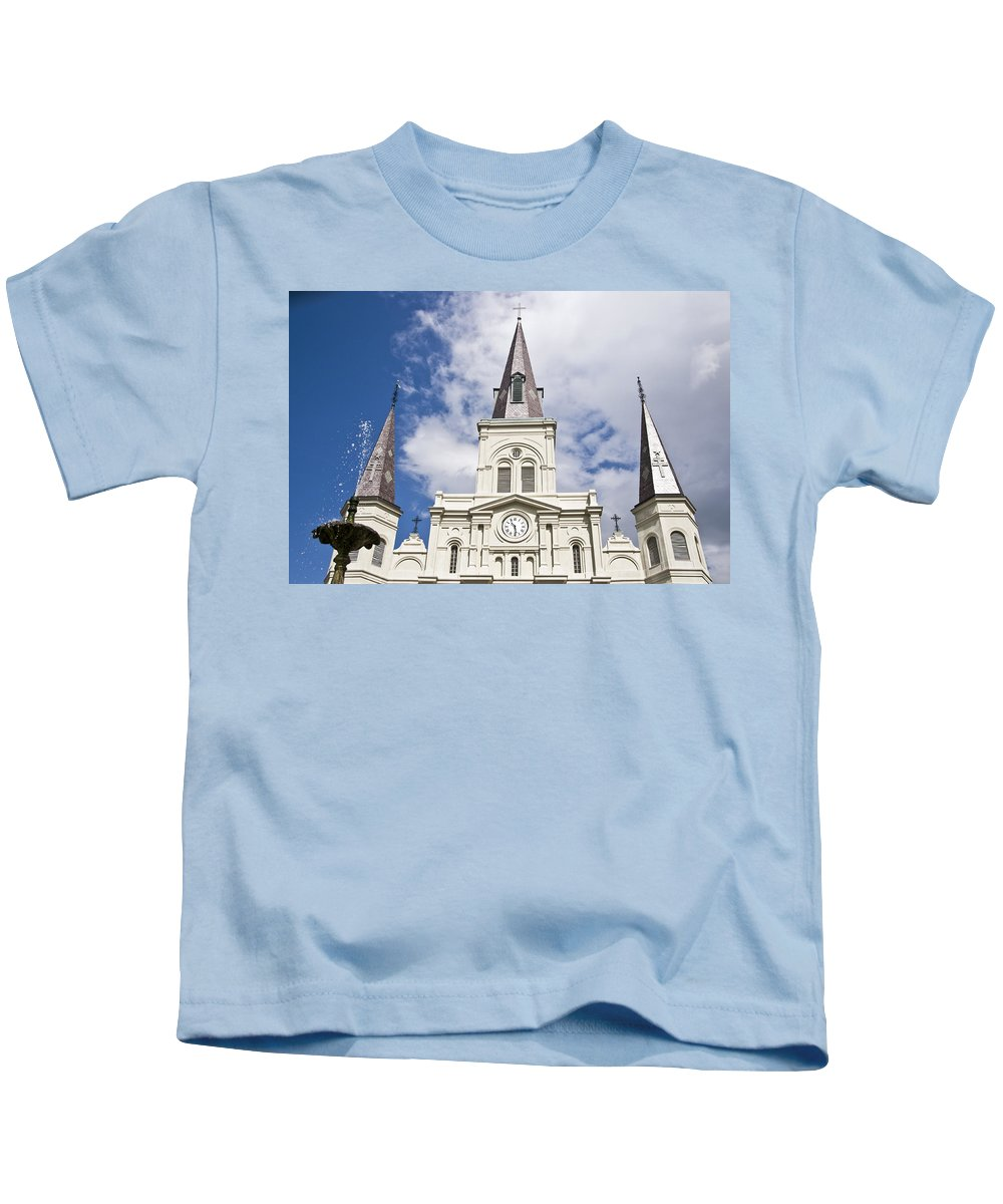 America Kids T-Shirt featuring the photograph Cathedral Of Saint Louis by Ray Laskowitz